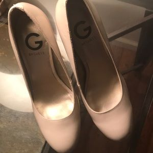 G by Guess tan with pink heel pumps size 8.5